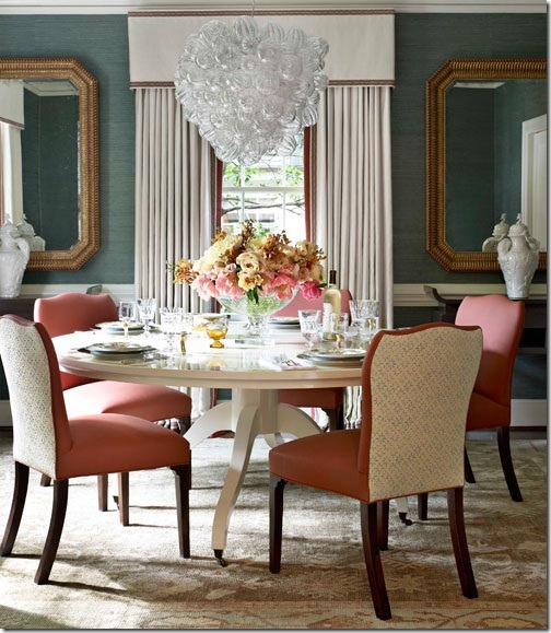 hbx-lacquered-dining-room-table-bubble-chandelier-0212-harper02-y80DMz-lgn