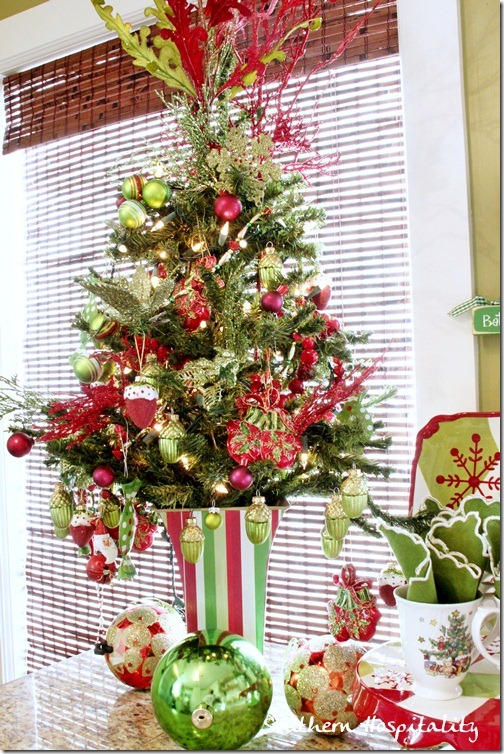 little red and green tree