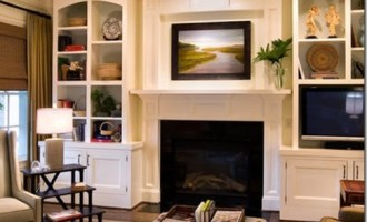 Decorating Dilemma:  Laurie's Living Room
