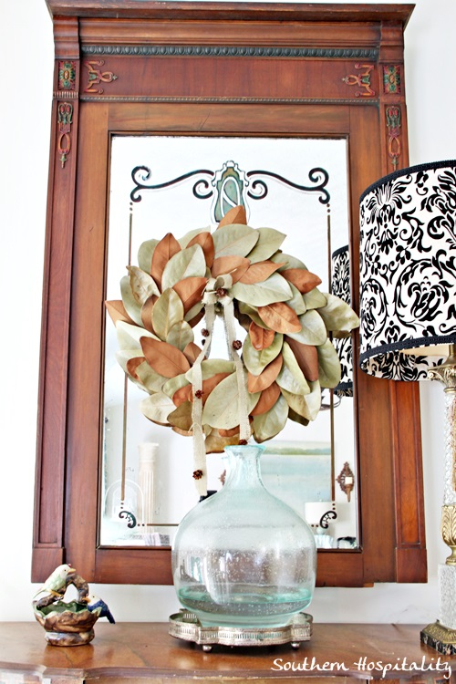 foyer table magnolia wreath