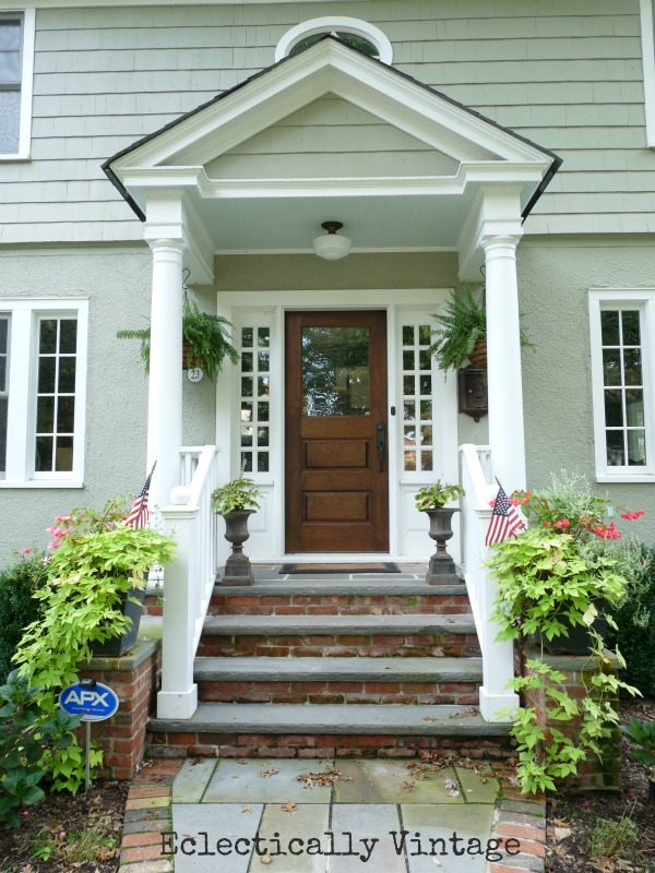 Kelly's house front portico