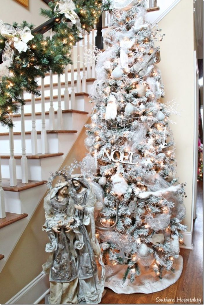 foyer white tree