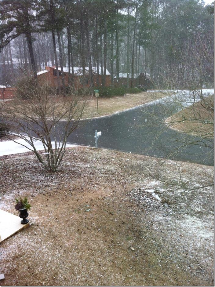 snowfall starting