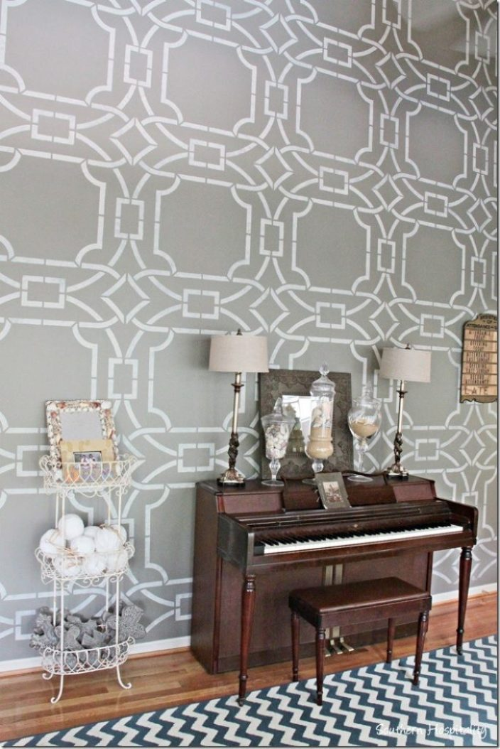 piano stencilled wall