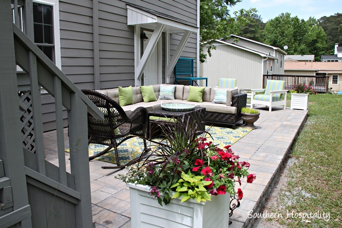 patio sectional and planters