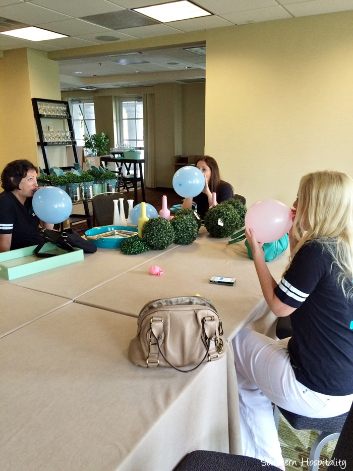 haven conference 2015blowing up balloons_20150720