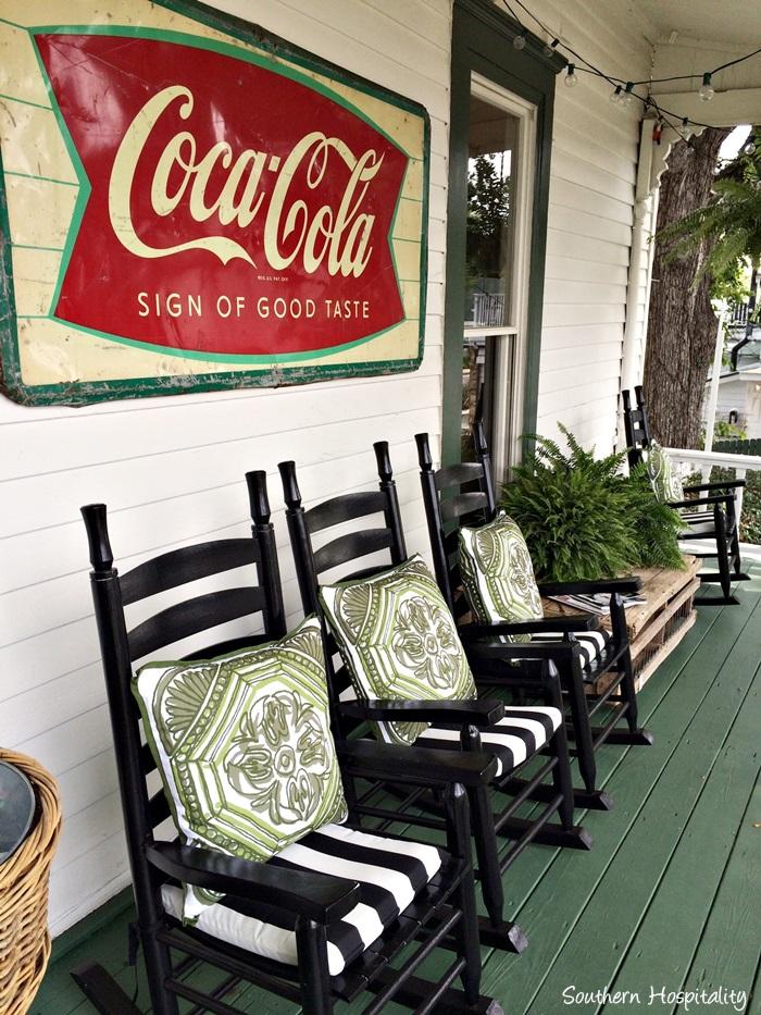 front porch viningsIMG_3873_20150803