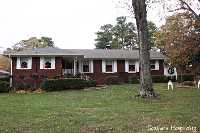 Updating a 1950 39 s brick ranch home southern hospitality for Updating a ranch house exterior