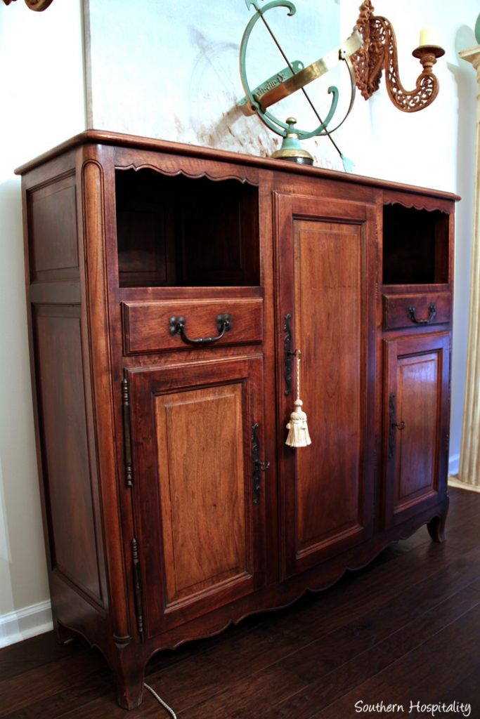 Decorating with Vintage Furniture - Decorating With Vintage Furniture - Southern Hospitality