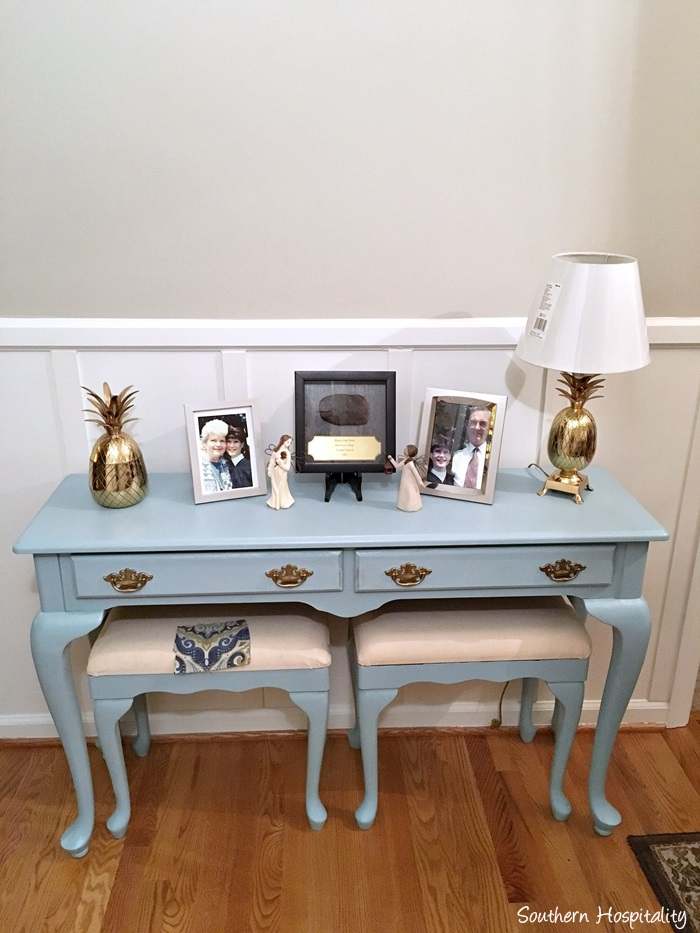painted queen anne sofa table lazy boy recliners console