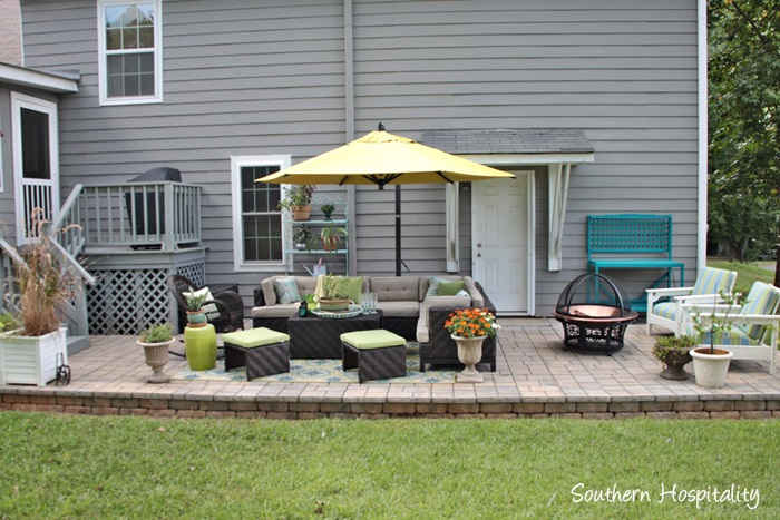outdoor patio space with umbrella016