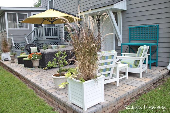 outdoor patio space with umbrella017