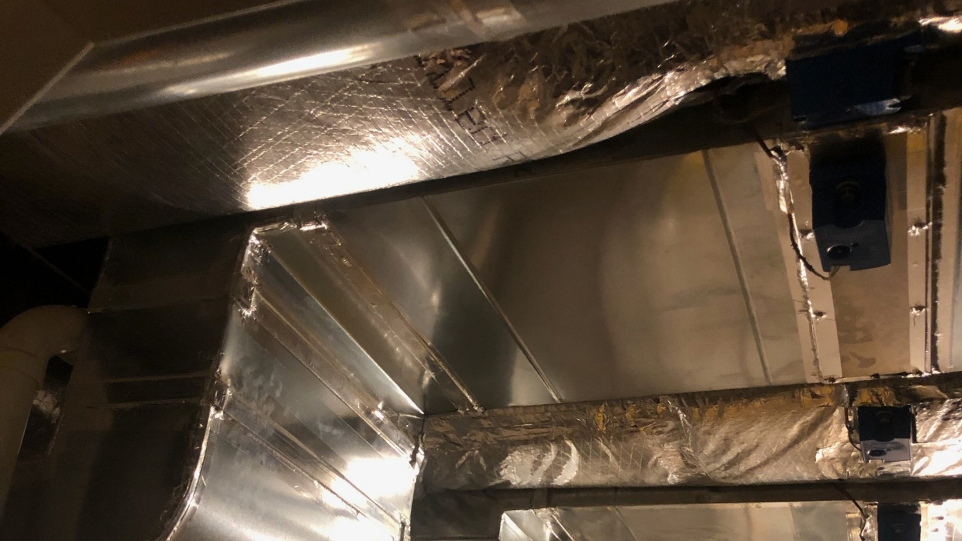 Ductwork Sealed For Proper Heat Exchange - Duct Sealing Page Gallery