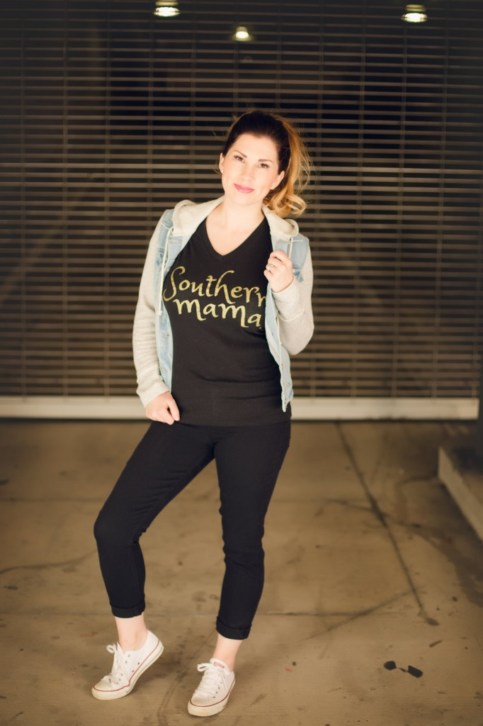 What to Wear for a Play Date   Southern Made Blog - My mama must haves are cute tees, converse sneakers, and comfy jeans. Throw on a jean jacket and you're play date ready. @target @lovedbyhannahandeli @converse