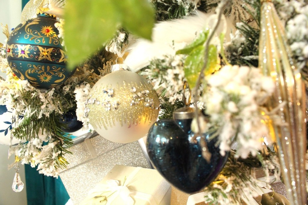Elegant Silver Blue and White Christmas ornaments