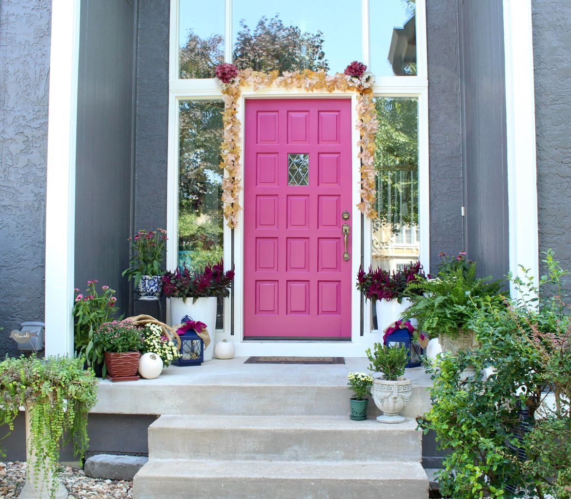 Bright Pink Front Door and Burgundy Fall Mums