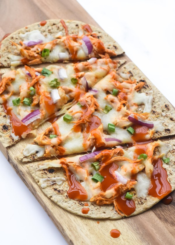 20 Minute- Skinny Buffalo Chicken Flatbread