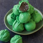"No Bake ""Thin Mint"" Oreo Truffles"