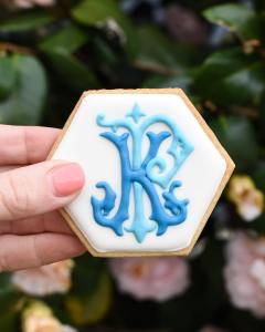monogram wedding cookie