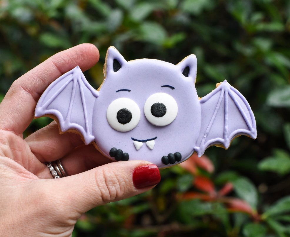 Google eye bat wilton Halloween cookies