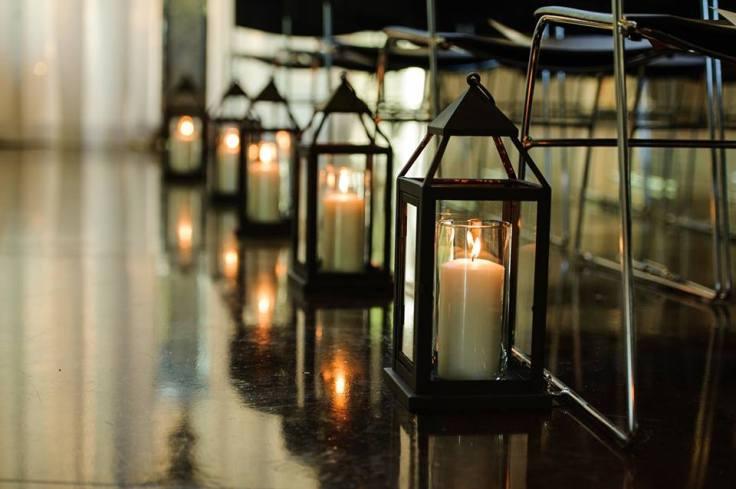 lantern-pew-markers