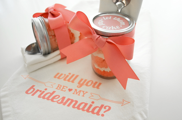 bridesmaids cupcakes in a jar