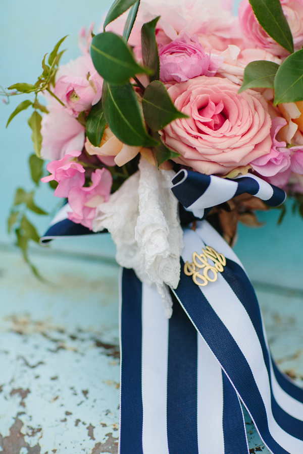 monogrammed-bouquet-pin