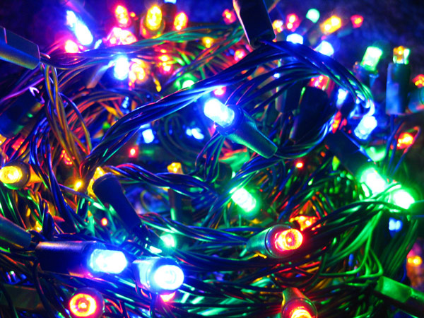 Home Depot: Recyle Old Christmas Lights For Coupons