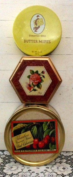 Vintage Tins at Southern Vintage Table