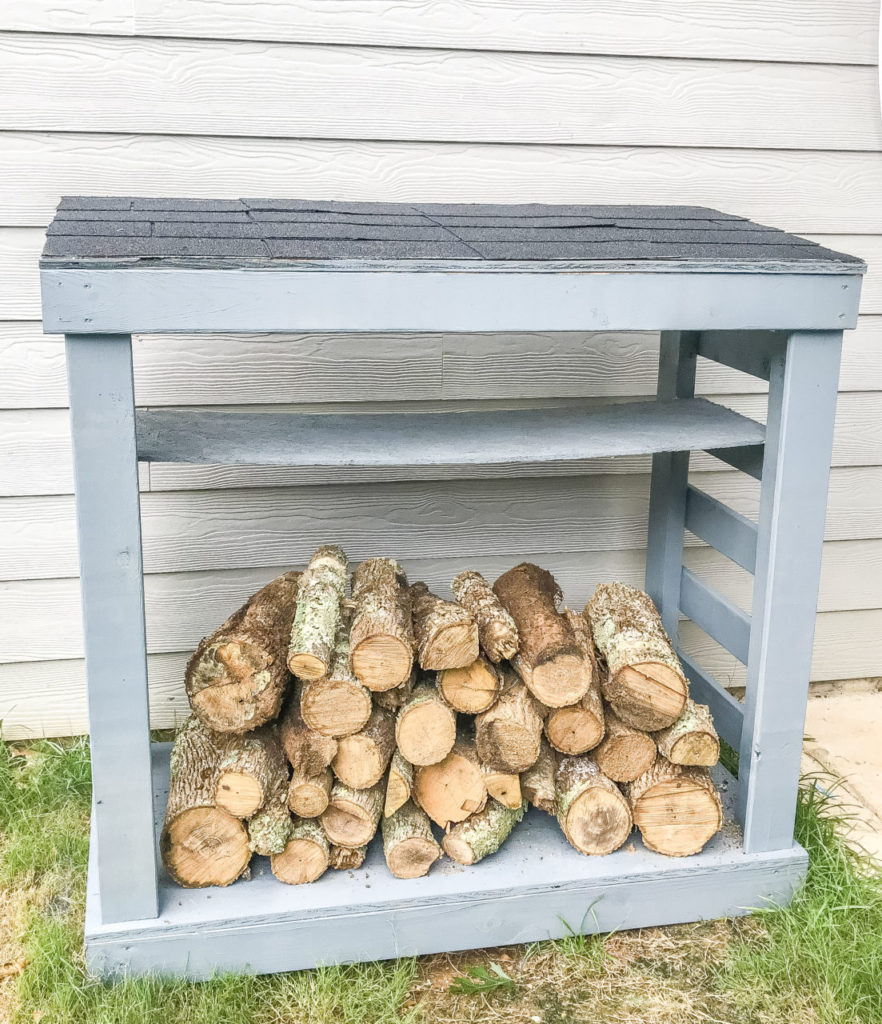 diy firewood racks, diy firewood holder, diy firewood rack with roof, diy firewood rack plans, how to build firewood holder, build firewood holder, diy firewood holder outdoor, diy firewood rack with cover, build firewood rack 2x4, firewood rack diy, outdoor project, wood holder, diy wood holder