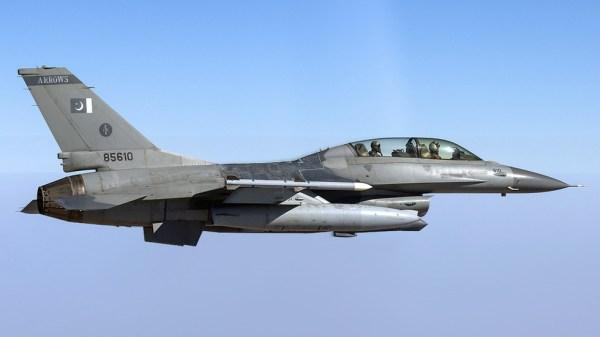 India tvrdí, že zlikvidovala jeden pakistanský jet, stratil MIG-21 stíhač v hraničnej konfrontácii