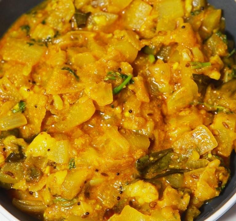Sorakaya Moongdal Curry
