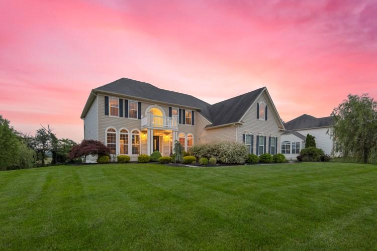 Beautiful Home 20 Maple Glen Court, Swedesboro NJ 08085