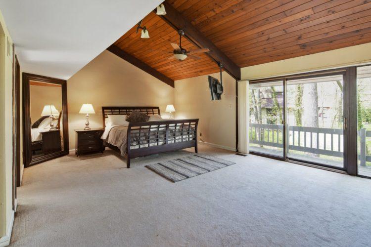 Master Bedroom Suite 15 Springhill Road Mantua