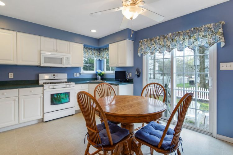 Eat in Kitchen has sliding glass doors to the yard.
