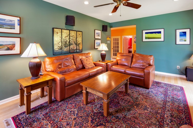 great room has green walls
