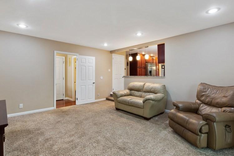 Family room of 38 Pennsylvania Avenue Stratford