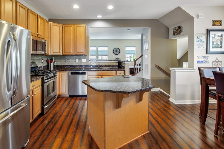 kitchen of 415 Concetta Drive Mount Royal