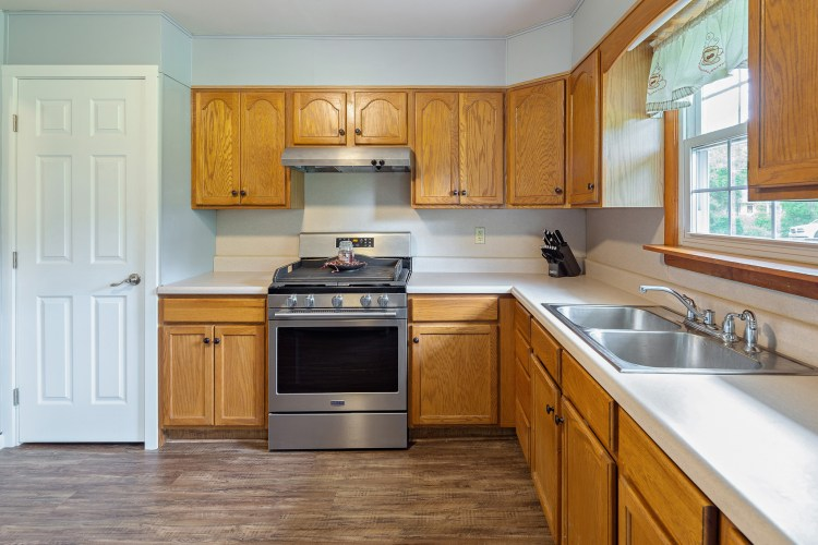 Kitchen 60 Steinfeld Avenue
