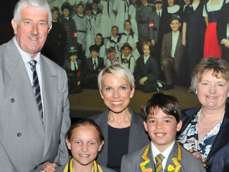 Sue is pictured with Janet Lowe, Chair of Trustees Phil Enstone and Head Boy and Head Girl Jaie Somaia and Ellen Skelton