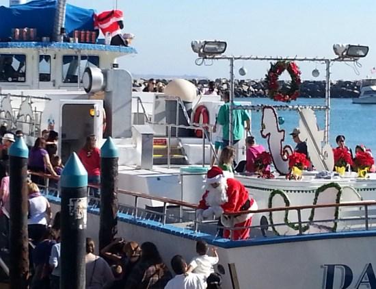 Dana Wharf Free Boat rides with Santa by southocbeaches.com