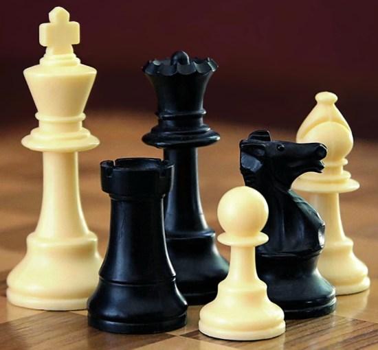Chess Set Image courtesy of wikipedia.org