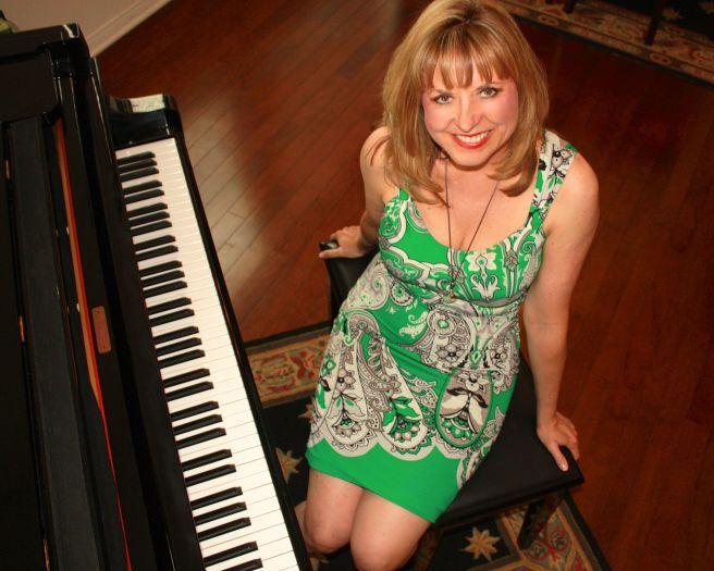 Peggy Duquesnel & Friends Courtesy of Laguna Beach Live!