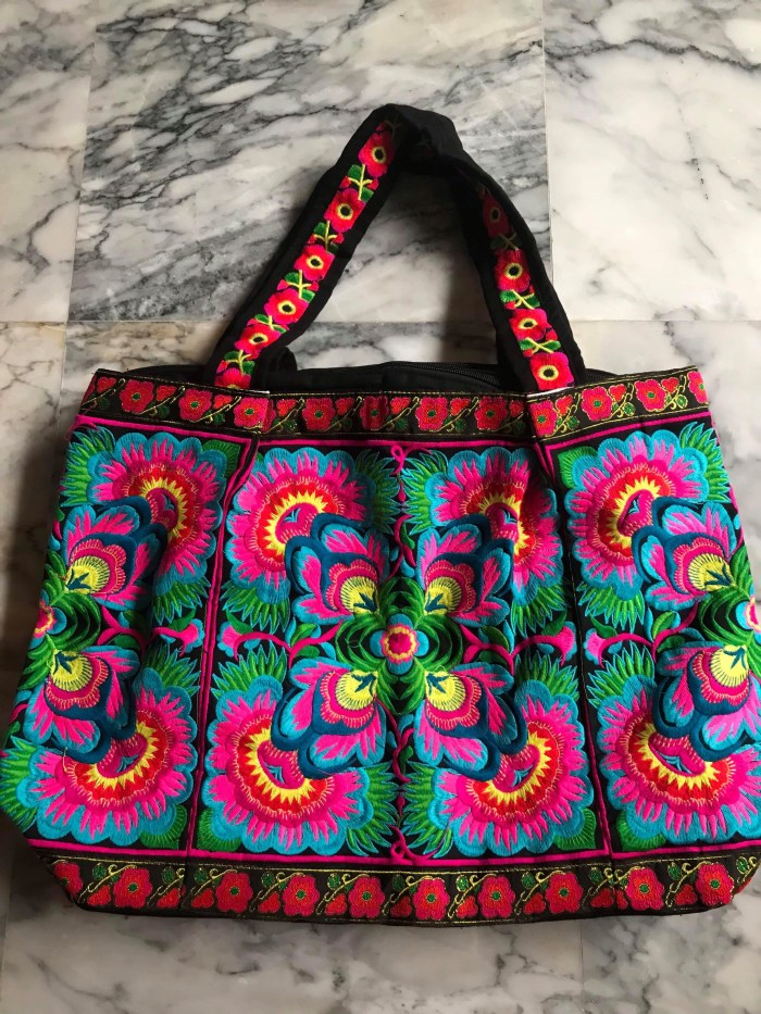 Chic and Colorful Tote from Thailand (Blue)
