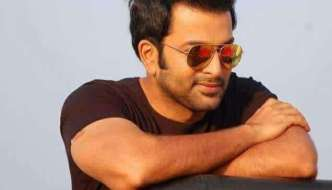 Prithviraj to direct Mohanlal in debut venture
