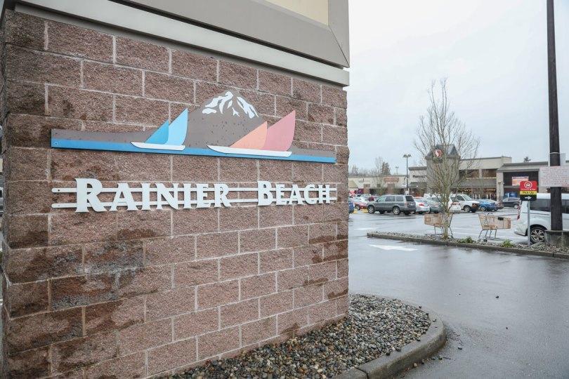 Photo of Rainier Beach Safeway parking lot