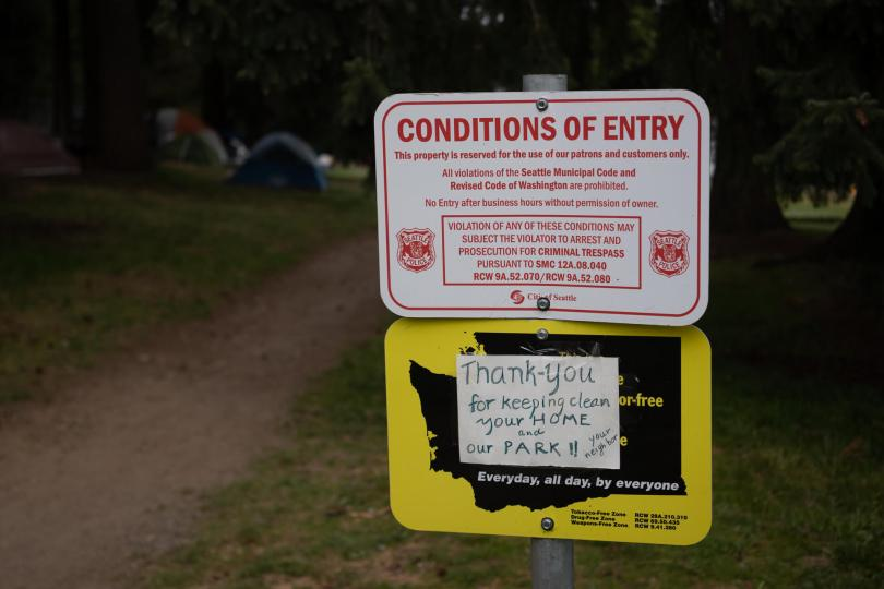 photo of Conditions of Entry sign and Park sign