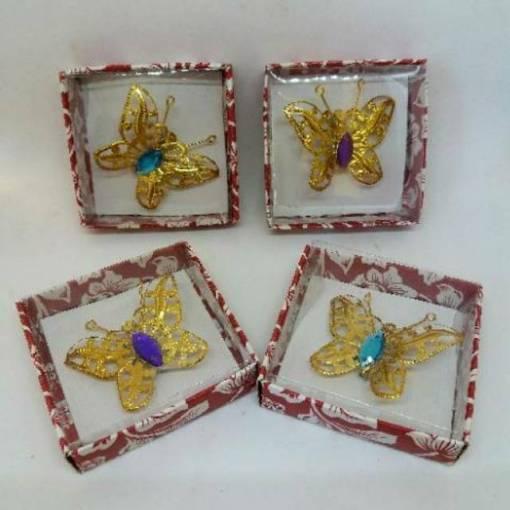 Bros kupu-kupu emas