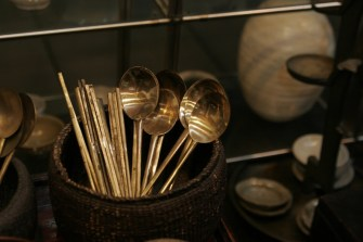 Silver spoons. Insadong (Arts and Crafts District) / http://creativecommons.org/licenses/by/2.0/
