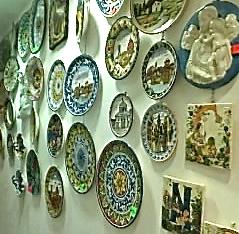 souvenier shopping Florence ceramics inside shop 1